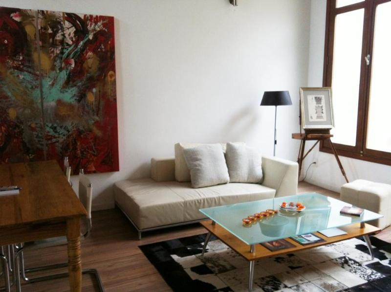 High end eclectic style with unique individual pieces that bring harmony to the apartment. - Stunningly Restored 2 Bdr Apt 104 /BBQ & Terrace - Montevideo - rentals