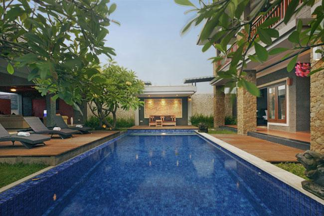 Villa Kim - Pool view with sun chairs and relaxing area - Villa Kim - 4 Bedroom Private Villa in Seminyak - Seminyak - rentals