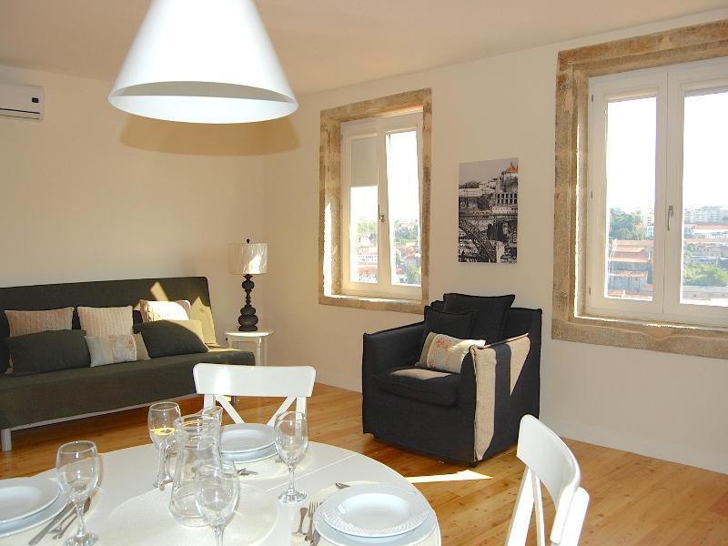 TOP FLAT - Amazing River Views - 1 bedroom Apt - Image 1 - Porto - rentals