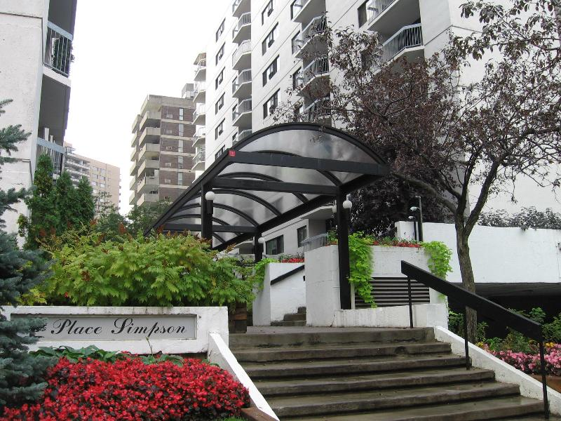 Entrance of the Simpson - APEX Downtown Montreal - Montreal - rentals