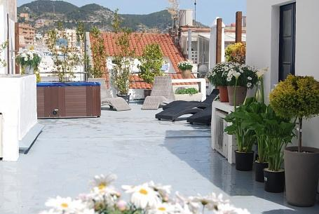 Playa Sant Sebastian. 10 BR, Jacuzzi, 150m From Be - Image 1 - Sitges - rentals