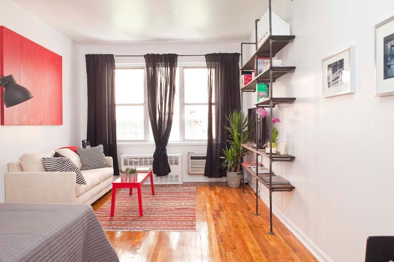 Studio Flat near Columbus Circle & Central Park - Image 1 - New York City - rentals