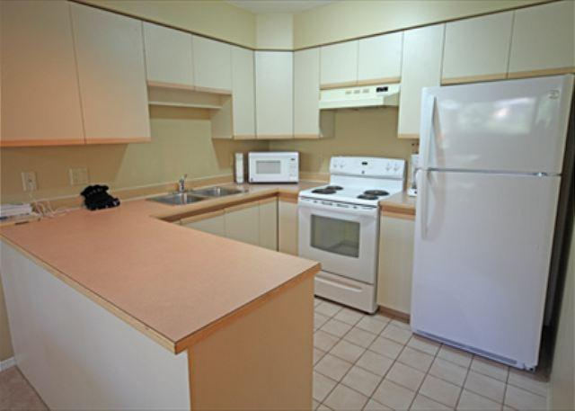 Full Kitchen - Acer Vacations | Family Friendly 2 Bedroom Ski-In Ski-Out Whistler Condo - Whistler - rentals
