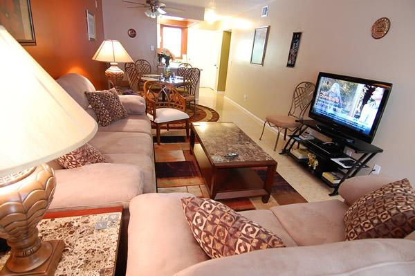 Living Room - Luxurious 2 BR Condo - Short Walk to Siesta Beach - Siesta Key - rentals