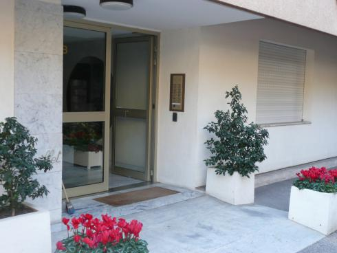 Entrance to apartment block 'Le Rambouillet' - Beaulieu sur Mer - Beaulieu - rentals
