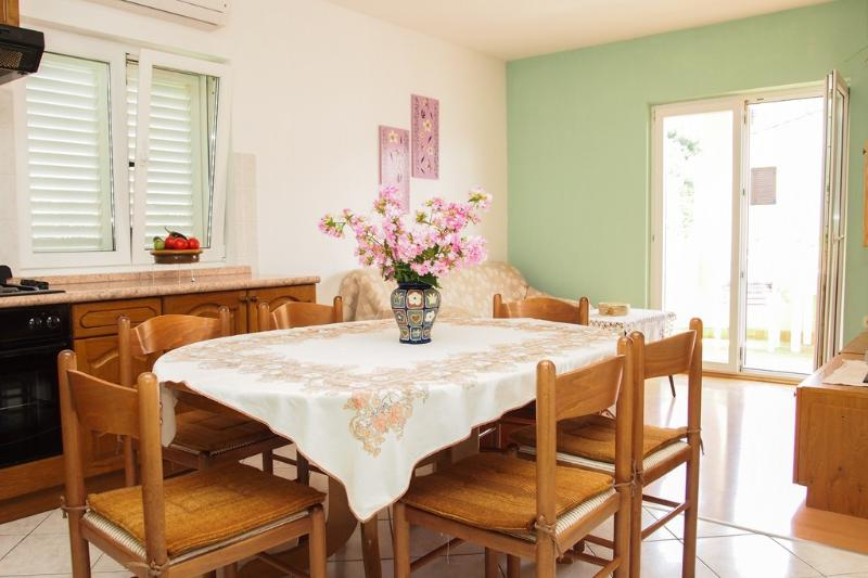 Apartment Lilly(a)for 6 people- Podgora,Croatia - Image 1 - Podgora - rentals