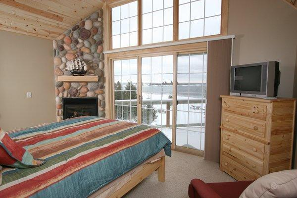 Master Bedroom - Cobblestone Cove Villas Grand Marais, MN - Grand Marais - rentals