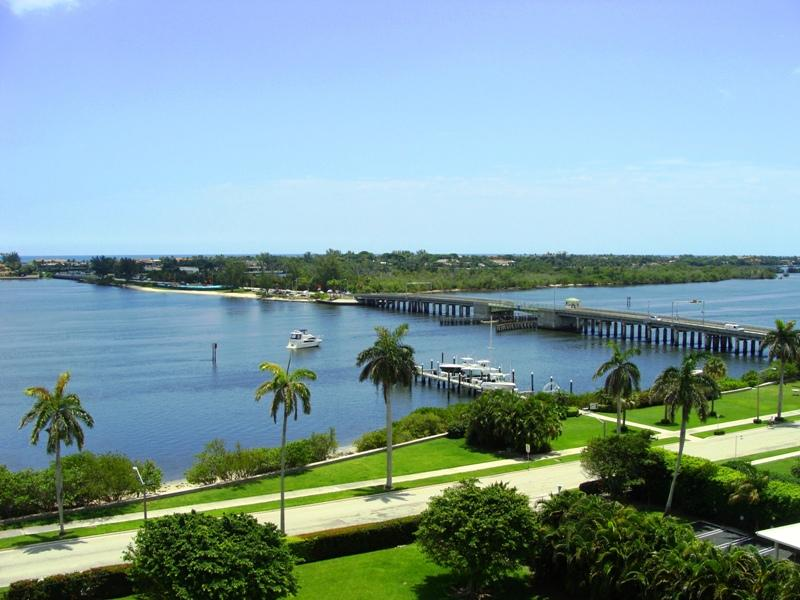 located 1 street from the intracoastal water - West Palm Beach Cottage Rental open March - West Palm Beach - rentals