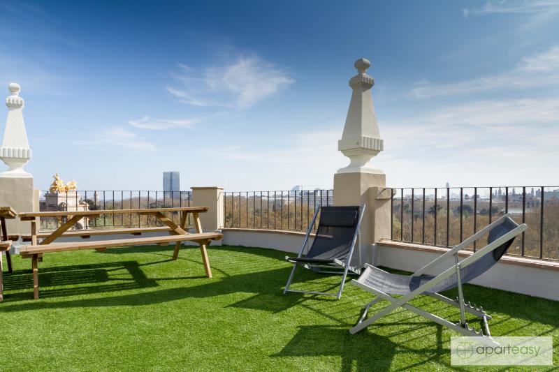 Aparteasy CIUTADELLA PARK Fantastic terrace centre - Image 1 - Barcelona - rentals