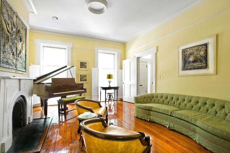 Hall Street Hideaway - Image 1 - Savannah - rentals