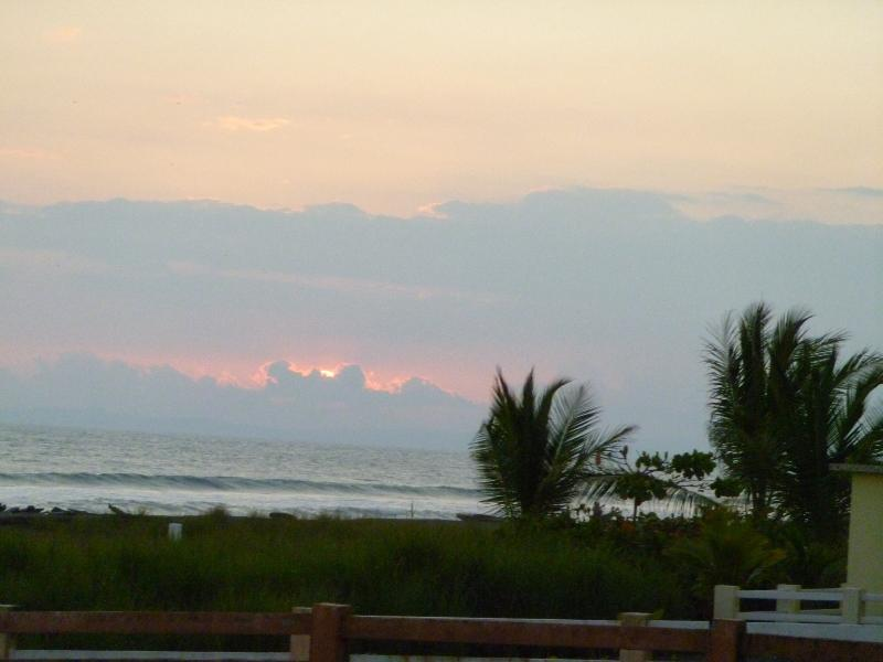 Wow! - Surfs Up!! - Chiriqui Grande - rentals