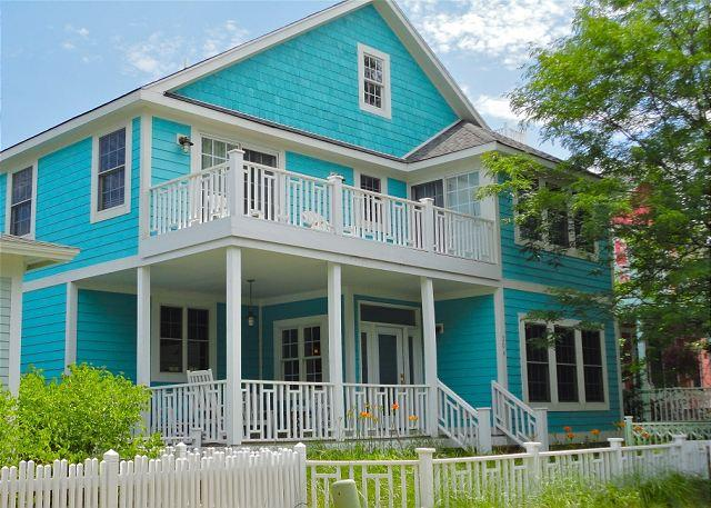 Front of House - Moondance--Perfect For a Spring Getaway - Michigan City - rentals