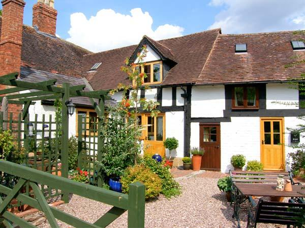 BARLEYCORN COTTAGE, two woodburners, en-suite facilities, WiFi, in Grinshill, Ref. 27007 - Image 1 - Grinshill - rentals