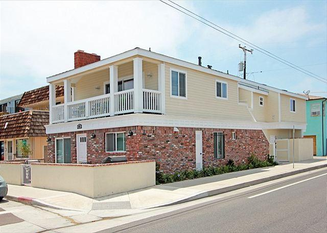Exterior View of 129 40th St - Newly Furnished Home (129 40th St) - Newport Beach - rentals