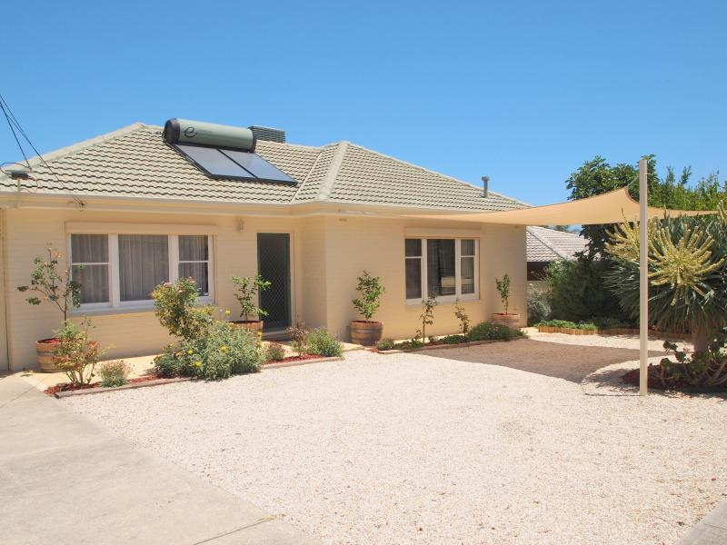 Seaview house - Seaview House Port Noarlunga (migrant and holiday) - Port Noarlunga - rentals