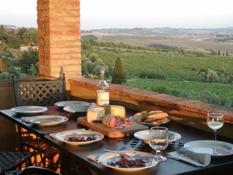 Farmhouse Rental in Tuscany, Castellina Scalo - Rosalia 2 - Image 1 - Castellina In Chianti - rentals