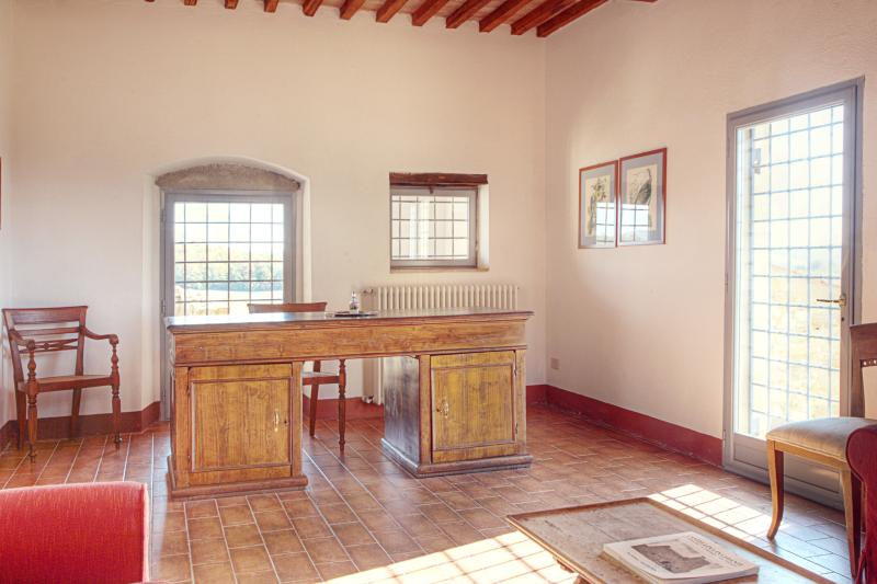 Farmhouse Rental in Tuscany, Castellina in Chianti (Chianti Area) - Villa - Image 1 - Castellina In Chianti - rentals