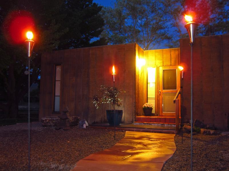 Casita Maria five minute walk to downtown Taos. - Image 1 - Taos - rentals