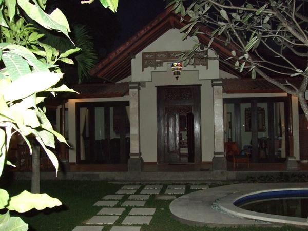 Tropical Villa Entrance - Fully Serviced Classic Tropical Villa - Sanur - rentals