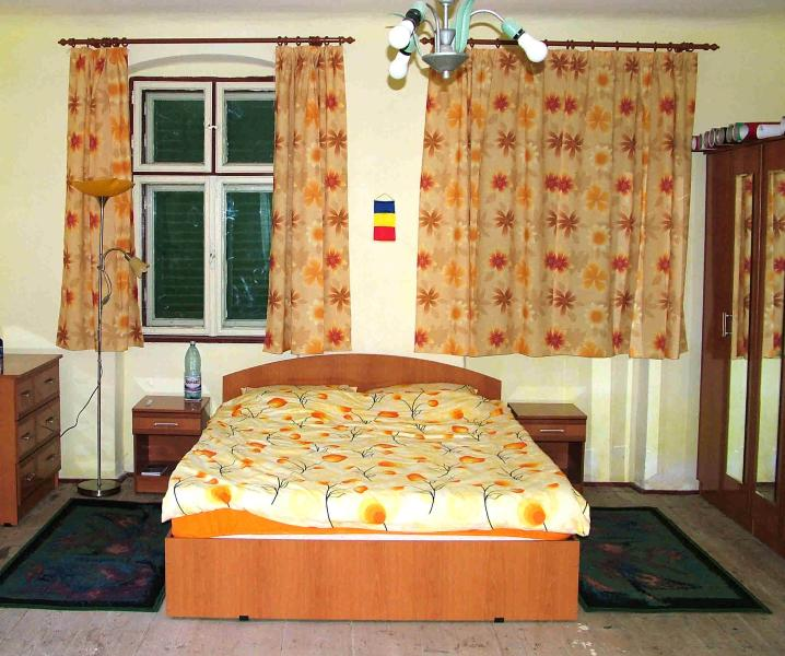 Guest room - B&B accommodation in traditional Saxon house near Sighisoara - Sibiu - rentals