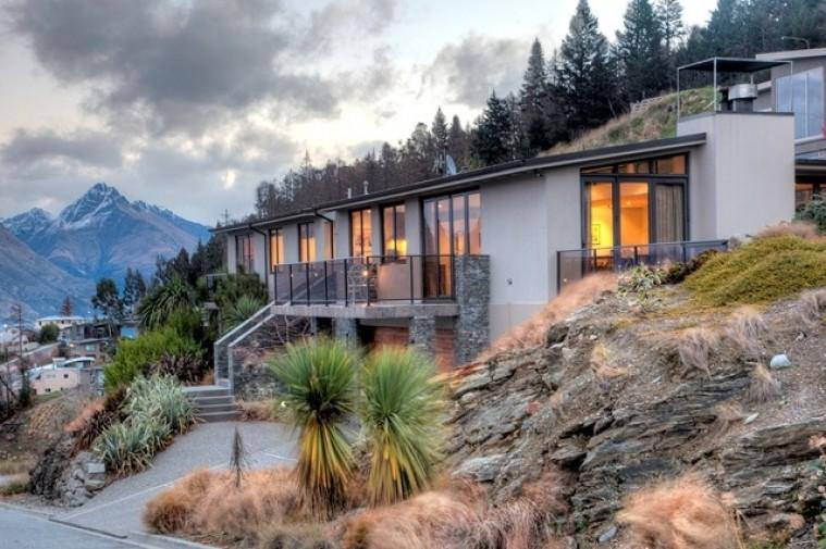 Oliver Views - Image 1 - Queenstown - rentals