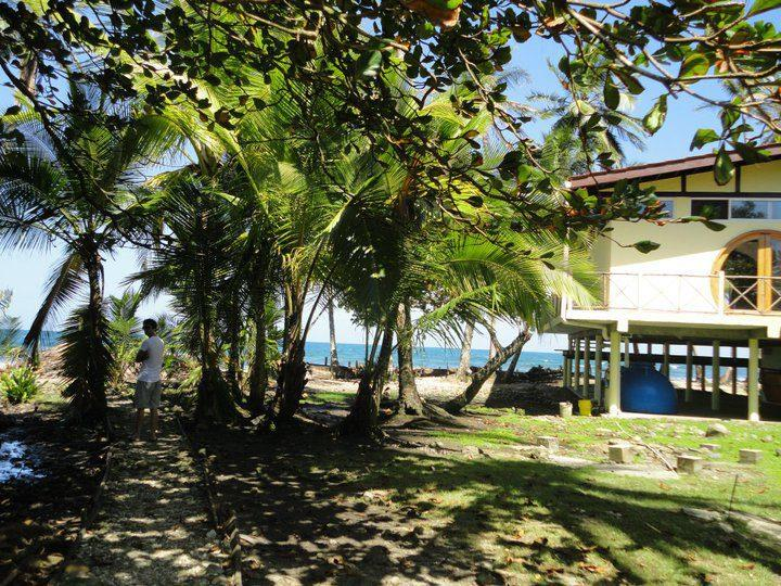 Back of house - Shorebreak - Ocean Front Custom Vacation Home Rent - Isla Bastimentos - rentals