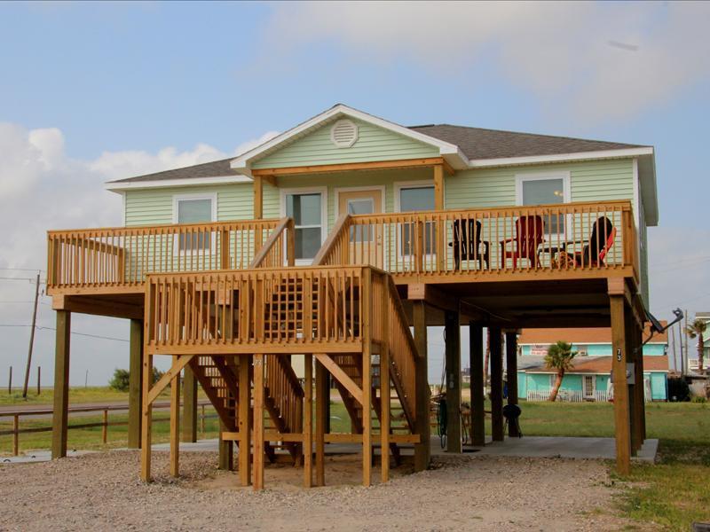 New beach home close to Surfside Beach. Less than a 100 yards away - Beautiful New Beach Home, close to beach - Surfside Beach - rentals