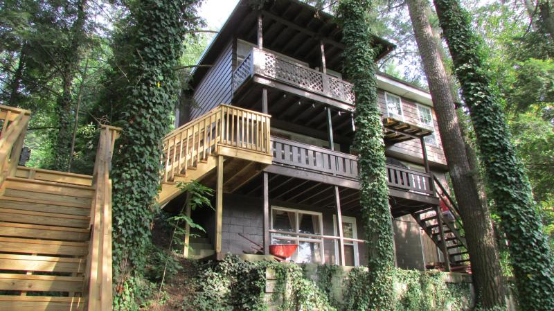 Balconies overlooking creek - Awesome views - Williamsport - rentals