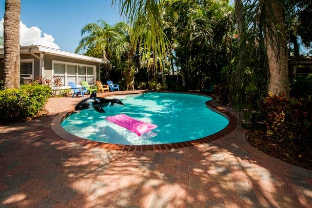 Clearwater Beach Cabana - 7 Bdr - October Deals - Image 1 - Clearwater - rentals