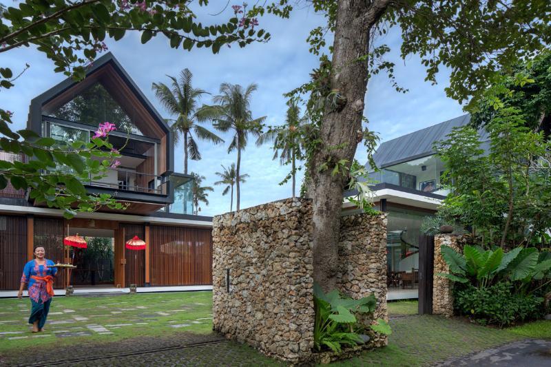 Welcome to Svarga Residence - SVARGA  RESIDENCE: Luxurious Central Villa, 50 met - Sanur - rentals
