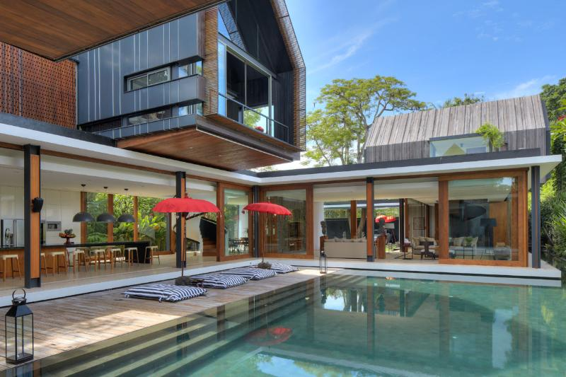 Welcome to Svarga Residence - 'SVARGA' LUXURIOUS 4 BDRMS, POOL, 50M TO BEACH. - Sanur - rentals