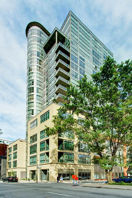 Building - Old Montreal Modern Condo With Parking - Montreal - rentals