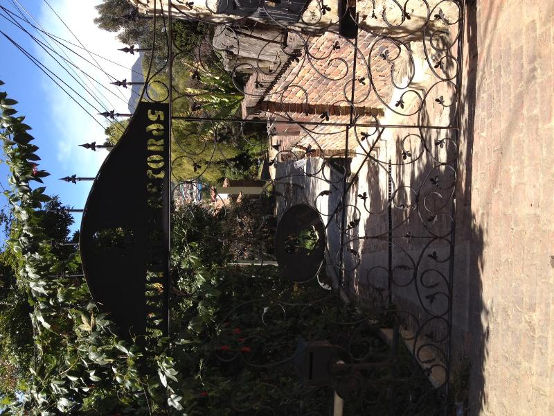 front gate - Beautiful retreat like  home with views in Bogota - Bogota - rentals