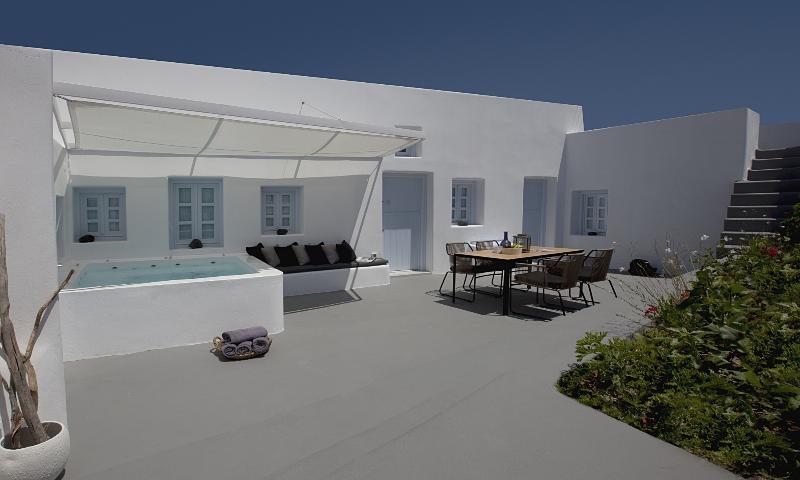 Anemolia Villa - Image 1 - Santorini - rentals