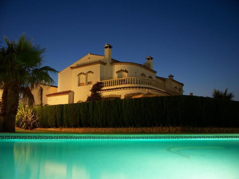 Nightimpression - Sunny villa with large pool & beautiful ambience - Miami Platja - rentals
