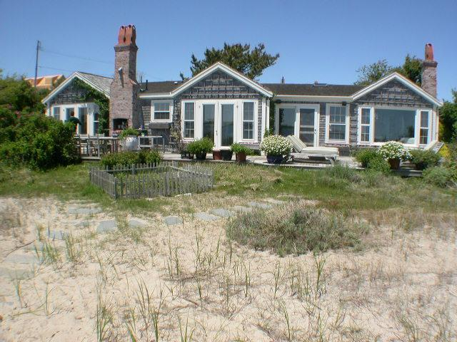 Designer Hideaway on Private Beach - Image 1 - Nantucket - rentals