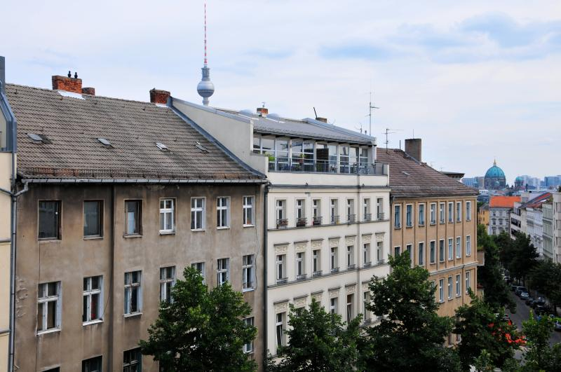View from the window - City-Center 3-room Apartment in P-berg / Mitte! - Berlin - rentals