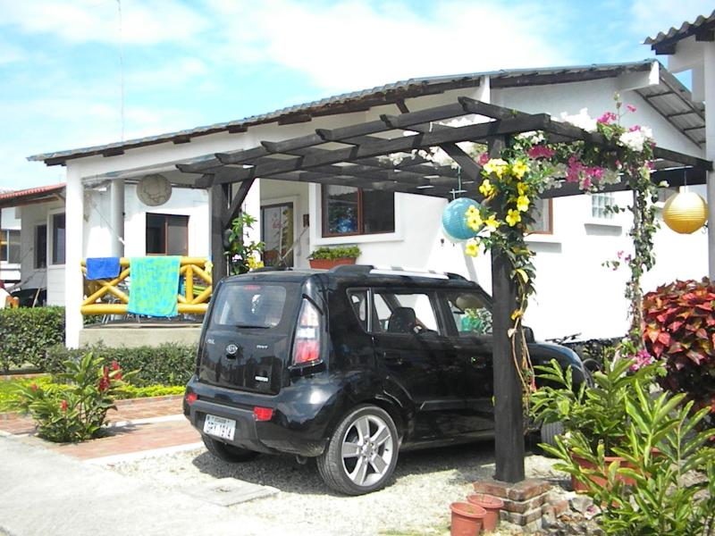 Cute and Cozy Home just 5 minutes away the beach! - Image 1 - Montanita - rentals
