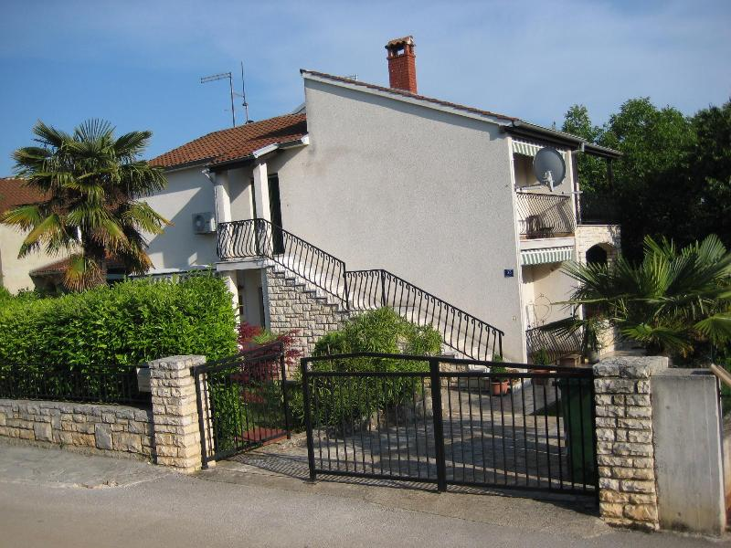 "House - Apartments ""Coca-Letta"", 4+2, cozy and affordable - Rovinj - rentals"