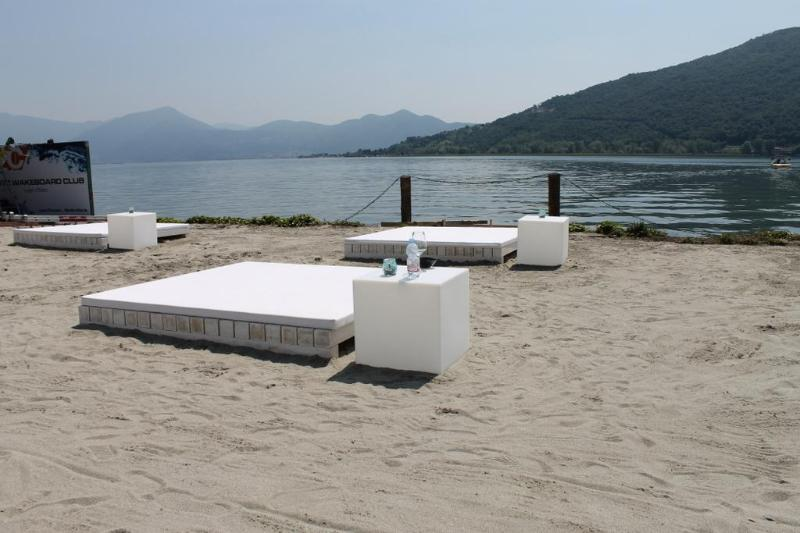 Iseo Lake apartment per 8/10 person with garden - Image 1 - Iseo - rentals