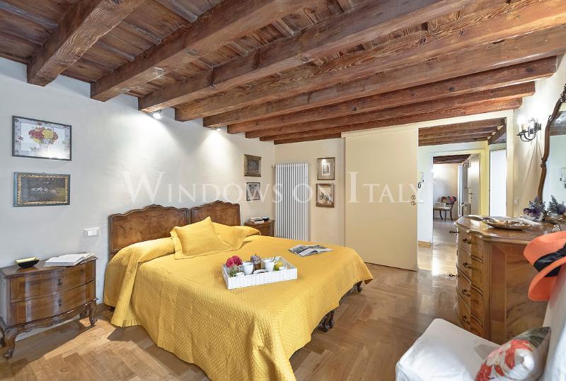 Beautiful 2 Bedroom Vacation Rental - Image 1 - Florence - rentals
