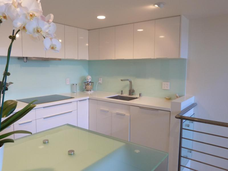 Gourmet kitchen on the 2nd floor - Chic and Contemporary Loft in Soma - San Francisco - rentals
