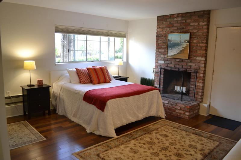 Romantic fireplace with candles - Beautiful Studio Apartment - Redwood City - rentals