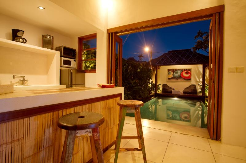 Kitchen with poolview - Private Villa with tropical garden + pool Seminyak - Seminyak - rentals