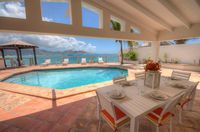 La Vista Grande - Ideal for Couples and Families, Beautiful Pool and Beach - Image 1 - Simpson Bay - rentals