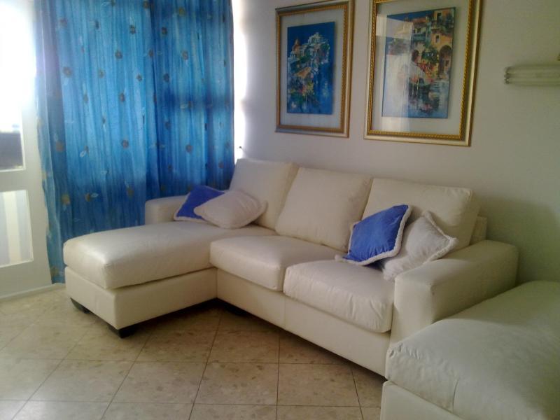 Lounge - 223 Brookes Hills Suits - Port Elizabeth - rentals