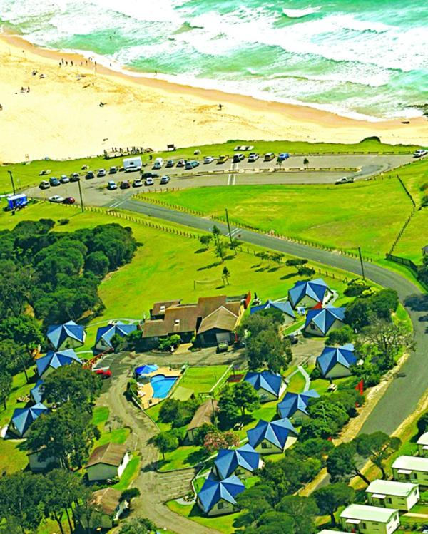 Surrounded by beach, lake & bush - Beach Cabins Merimbula 3 Bedroom Cabin-Beach 200m - Merimbula - rentals