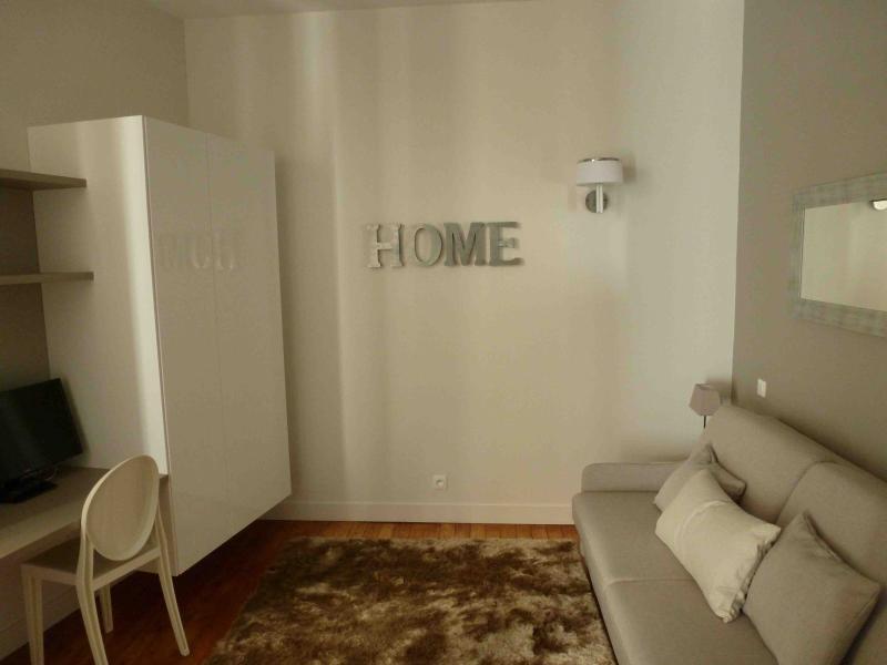 Prestige furnished studio (2) - Image 1 - Bordeaux - rentals