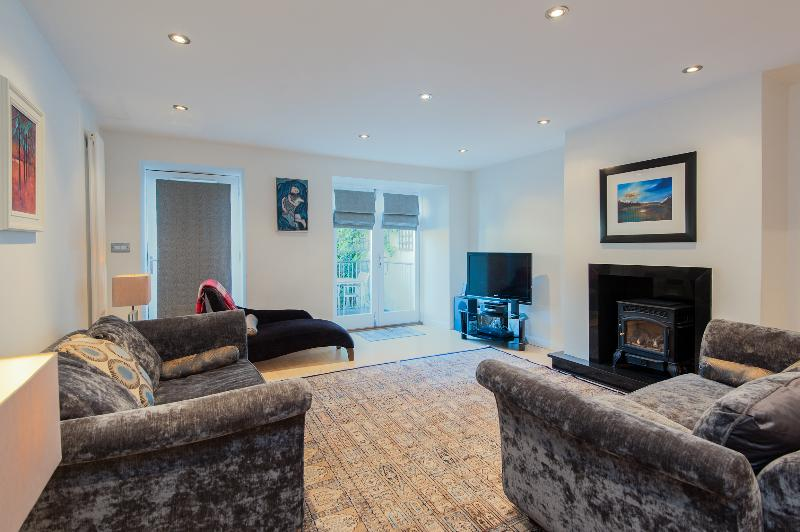 York Place Apartment - Image 1 - Edinburgh - rentals