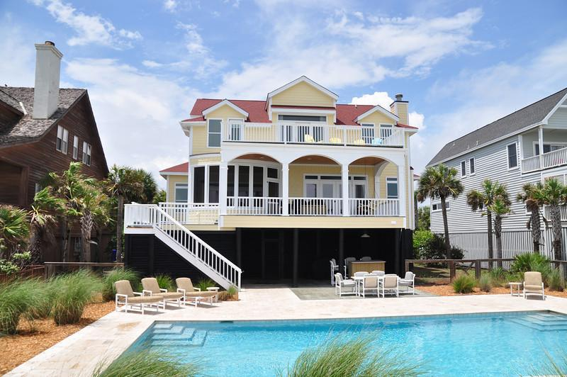 Rear Exterior w/Pool - Lovely Oceanfront 5 Bd, Huge Kitchen, Large Pool!! - Isle of Palms - rentals